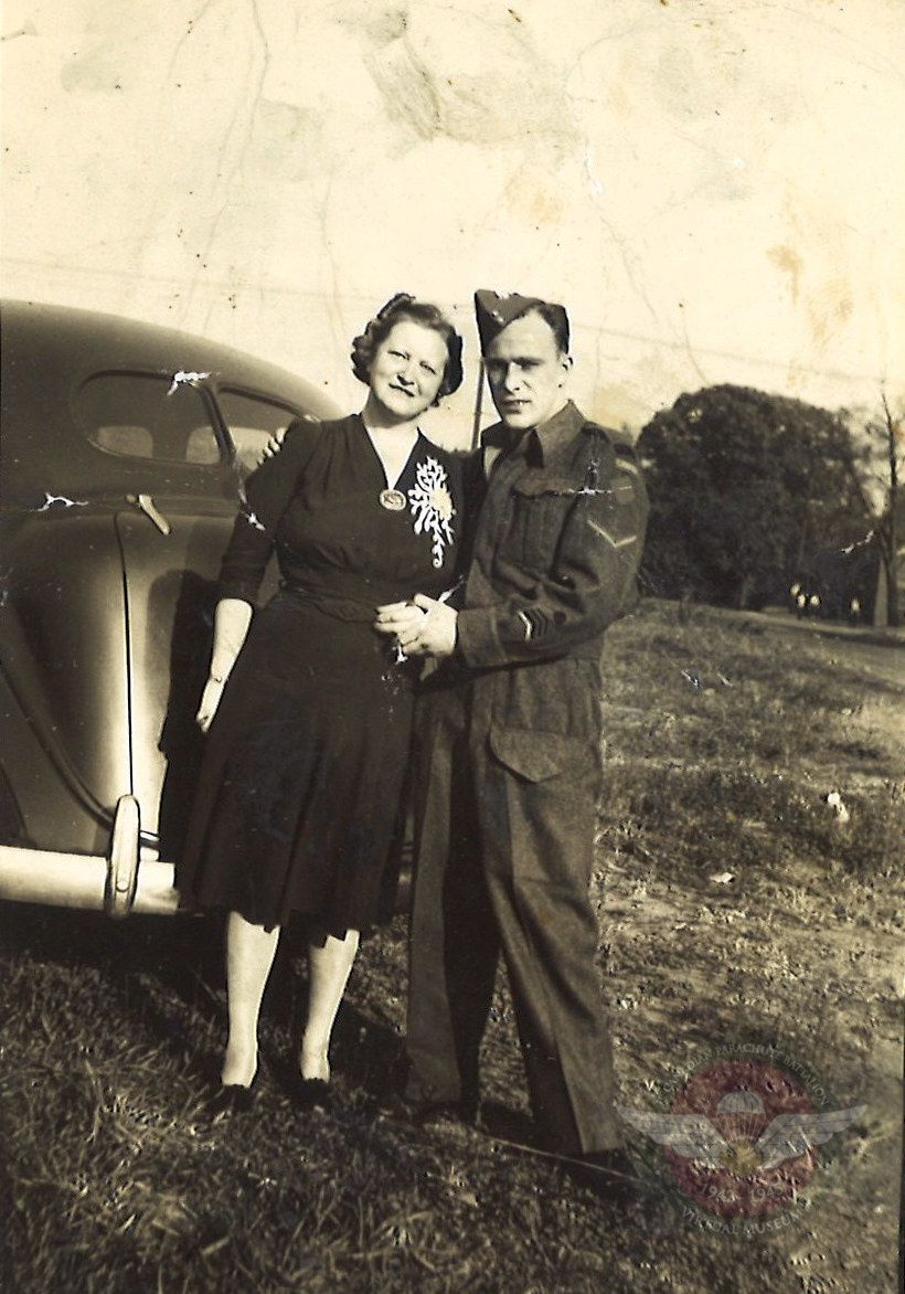 James Moneypenny With Stepmother In Uniform 194